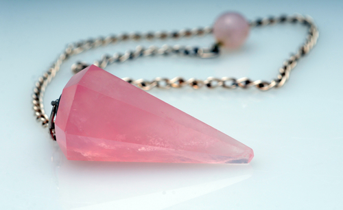 rose quartz for pendulum dowsing
